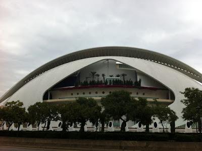 Valencia+Palau Valencia ist sogar bei Regen unbeschreiblich   Valencia es indiscriptible incluso lloviendo