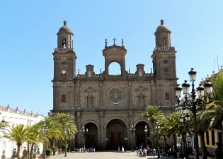 Las Palmas de Gran Canaria Travel Blog: Santa Ana Cathedral in the Old Town Vegueta