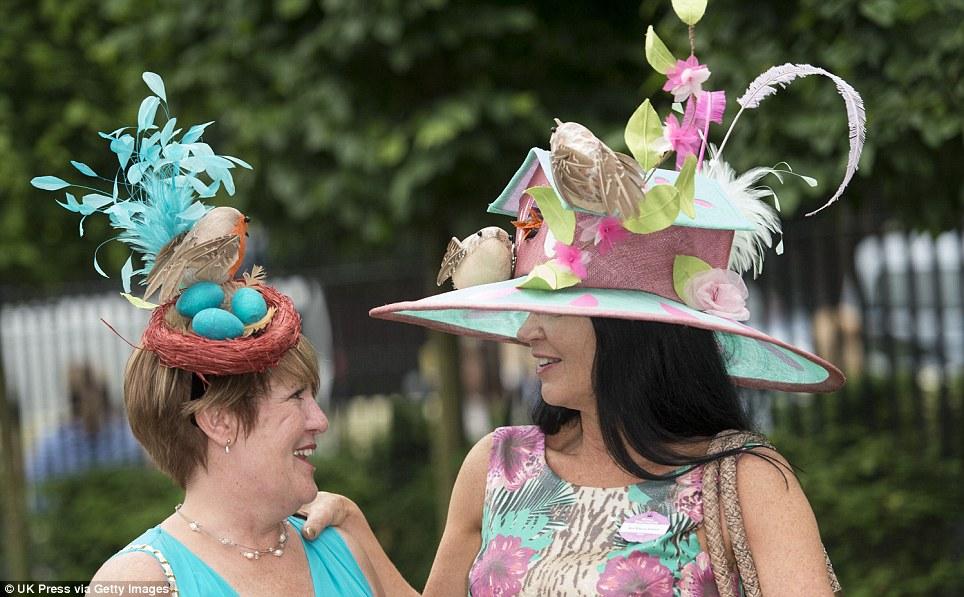 Оригинальная шляпа своими руками для конкурса фото