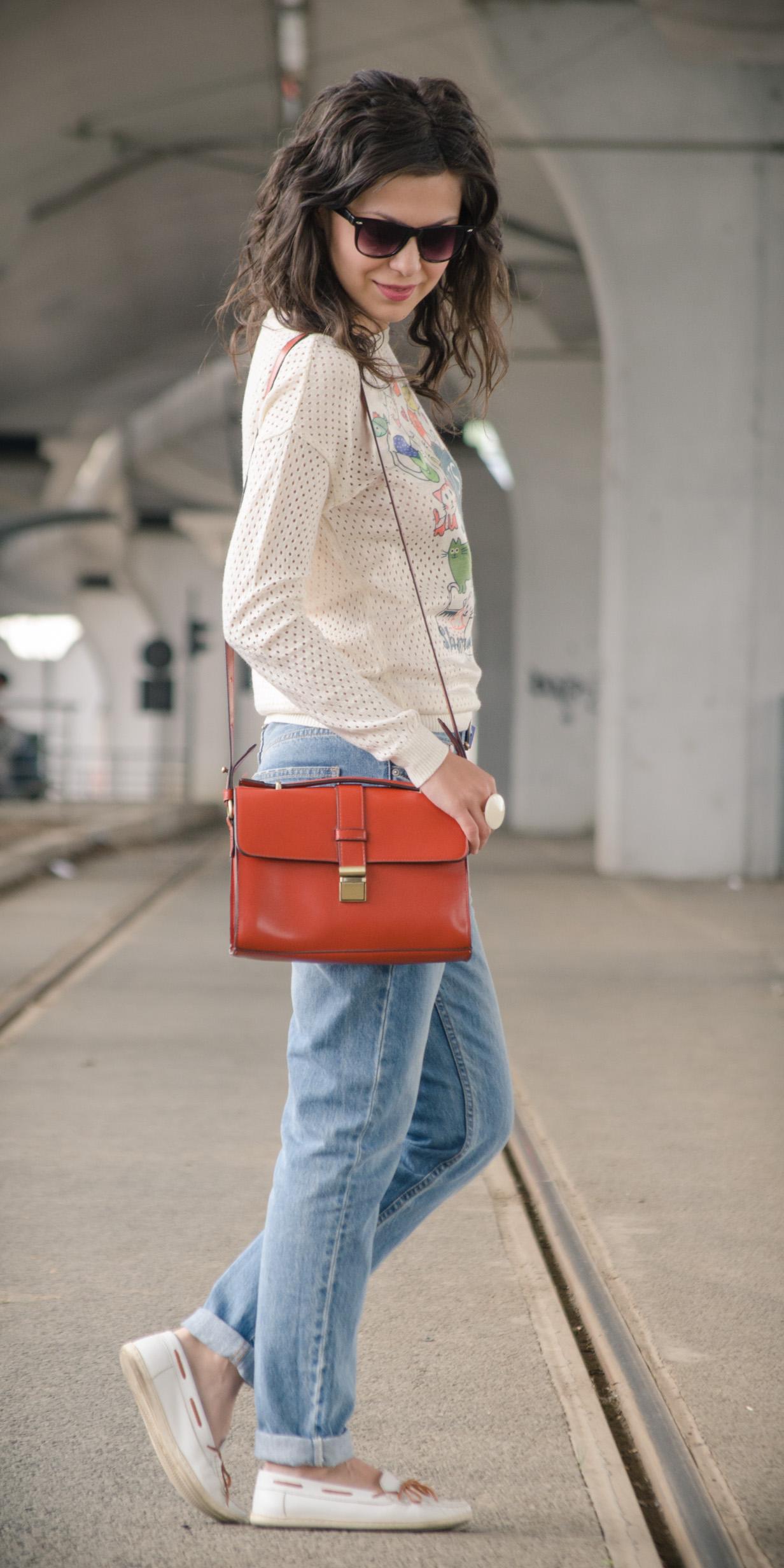 boyfriend jeans sweater cats orange bag satchel the bag shop h&m white loafers  casual