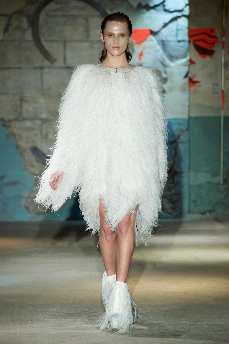 Serkan Cura spring summer 2015, Serkan Cura ss15, Serkan Cura, Serkan Cura couture, Serkan Cura haute coutrue, du dessin aux podiums, dudessinauxpodiums, paris couture, paris haute couture, haute couture, paris haute couture fashion week, vintage look, dress to impress, dress for less, boho, unique vintage, alloy clothing, venus clothing, la moda, spring trends, tendance, tendance de mode, blog de mode, fashion blog, blog mode, mode paris, paris mode, fashion news, designer, fashion designer, moda in pelle, ross dress for less, fashion magazines, fashion blogs, mode a toi, revista de moda, vintage, vintage definition, vintage retro, top fashion, suits online, blog de moda, blog moda, ropa, asos dresses, blogs de moda, dresses, tunique femme, vetements femmes, fashion tops, womens fashions, vetement tendance, fashion dresses, ladies clothes, robes de soiree, robe bustier, robe sexy, sexy dress