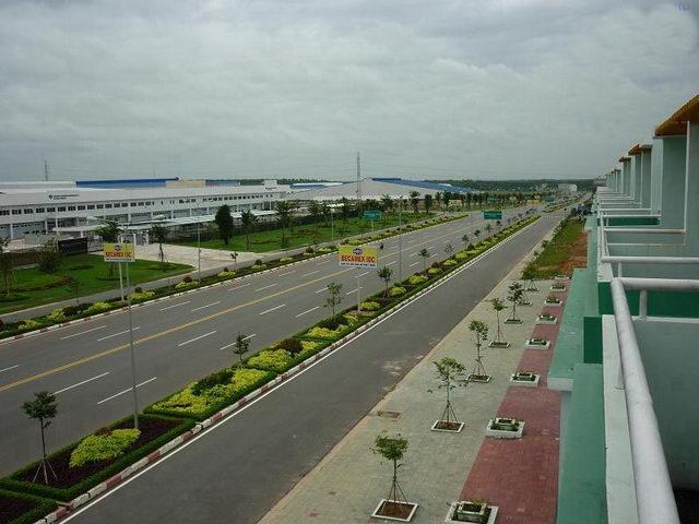 Đất mặt tiền vị trí đẹp, khu dân cư đông, gần chợ, gần trường học giá 205tr/ nền.