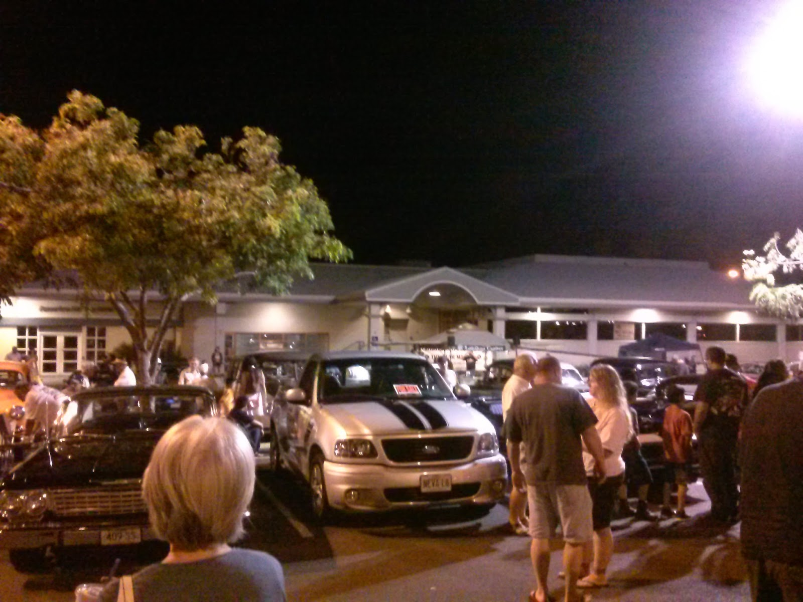 Lanihau Center Car Show