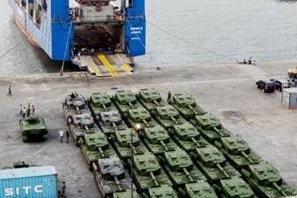 [Foto] 52 Tank Leopard - Marder Berjajar Rapi
