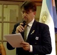 Micrófono para Stefoni, Villacorta, Hugo Amaolo desde Comodoro y Santiago Jara de 10ma.