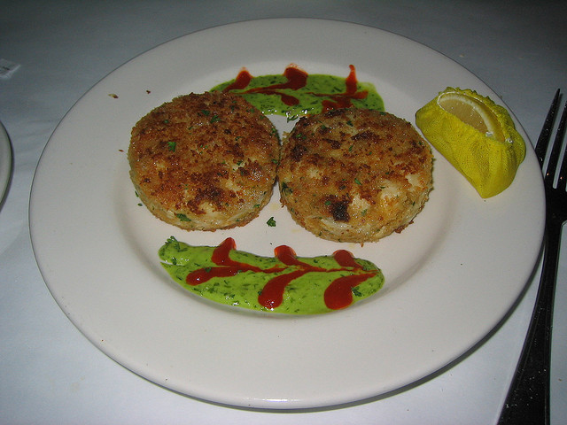 grilled crab cakes calories
