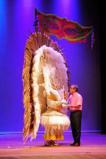 Foliões recebem R$ 60,5 mil em prêmios em Concurso de Fantasias de Carnaval Adulto
