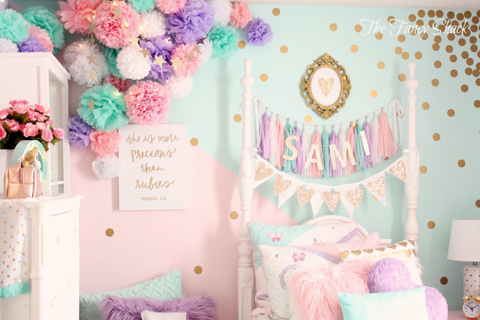 Sami's Pastel Bedroom