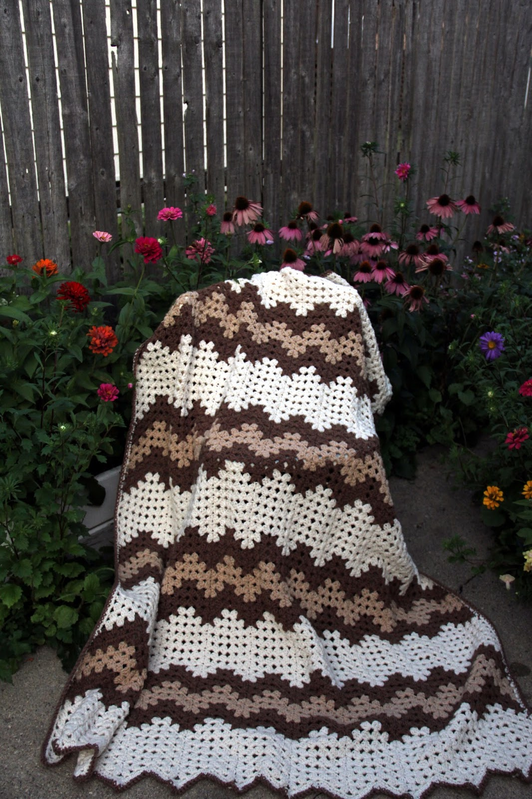 Priscillas Granny Ripple Is Finished And Another Big Flower Blanket