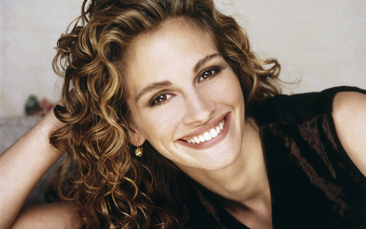 http://3.bp.blogspot.com/-4727xfLnfqM/ThH3dLaBwzI/AAAAAAAADcY/r2IrKQk1414/s1600/julia_roberts-smile.jpg