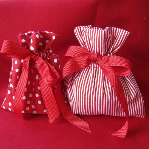 Какой можно сделать подарок своими руками бабушке