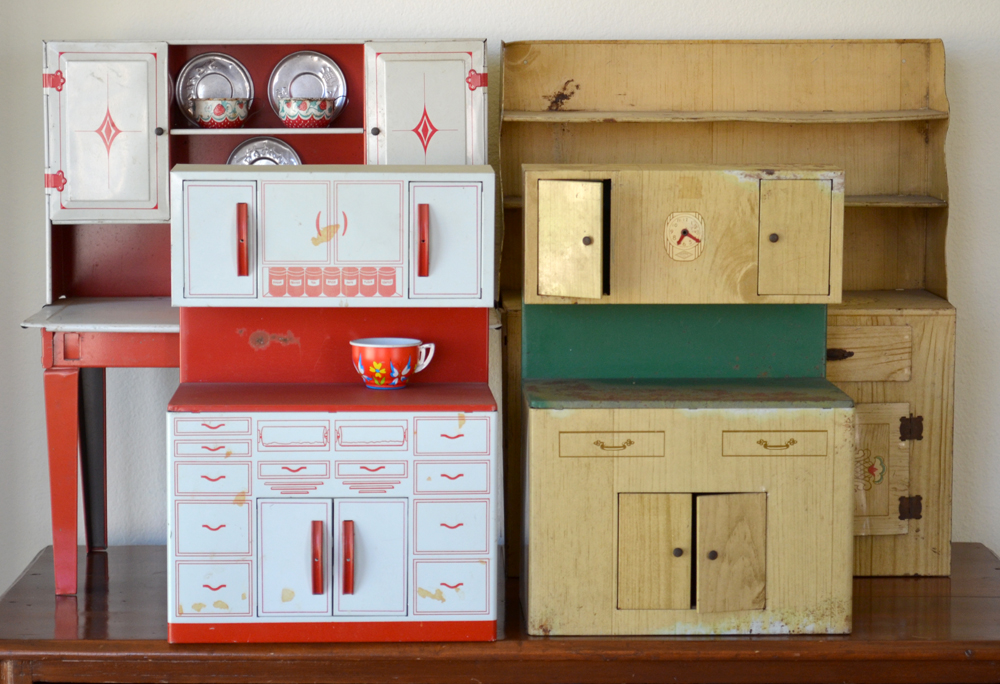 Todayu0027s Collection Consists Of Four Adorable Little Girlu0027s Tin Kitchen  Cabinets. They Were All Made By Wolverine. I Believe That 3 Of Them Are  From The U002750s ...