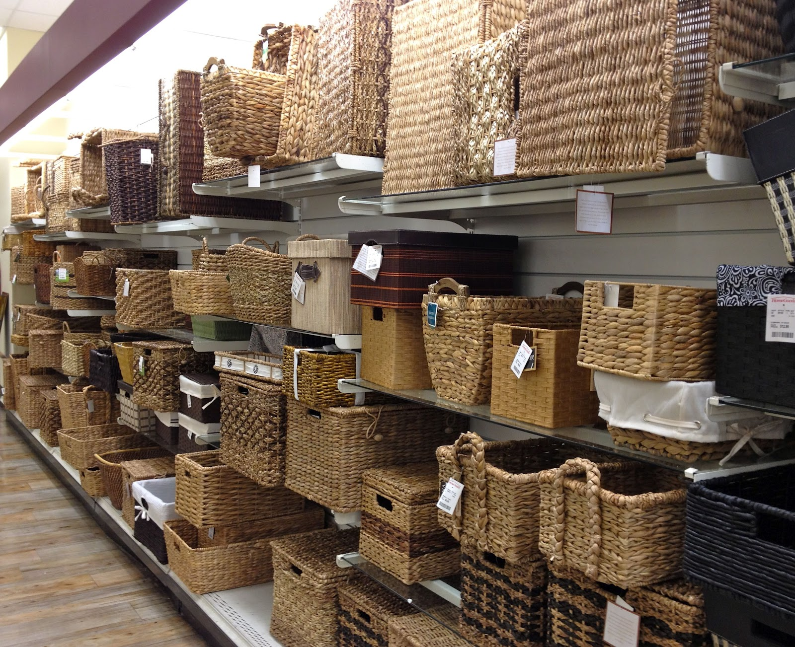 Decorative baskets inspiration for using them in your for Home goods decor