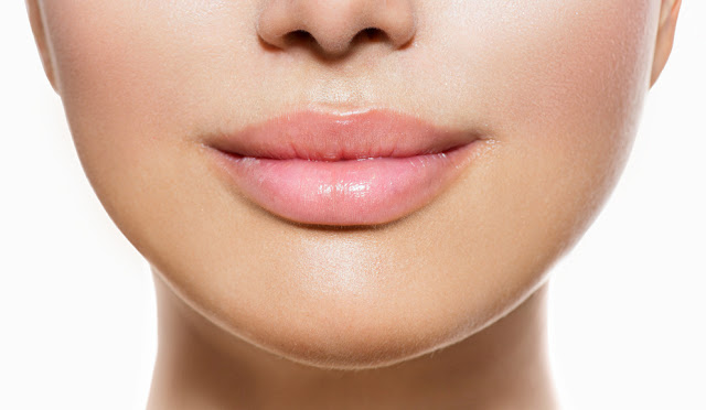 Plump-Lips-Naturally-Cinnamon-Oil