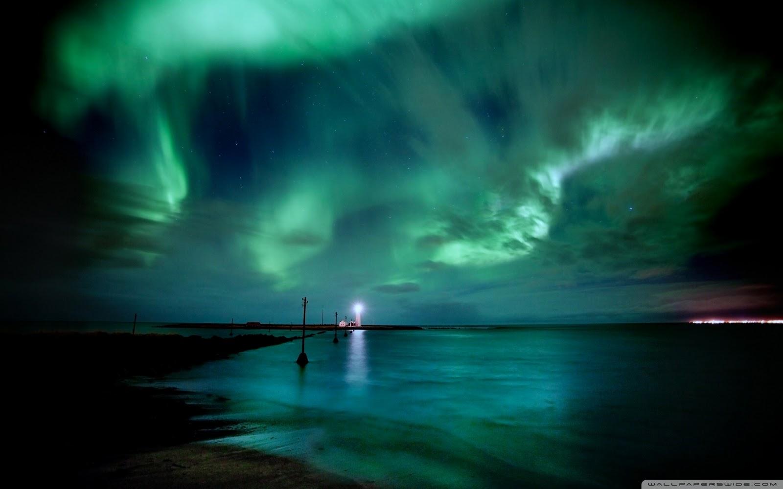 http://3.bp.blogspot.com/-47AR9SPozQA/TvD7WtgJUzI/AAAAAAAAATs/sdOV0DJNZwY/s1600/aurora-borealis-wallpaper.jpg
