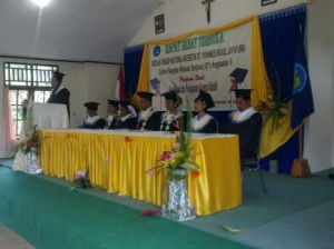 Sekolah Tinggi Pastoral Kateketik (STPK) Santo Yohanes Rasul Mewisuda 34 Orang