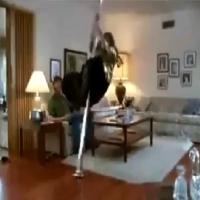 Muita sensualidade na Pole Dance, só que não