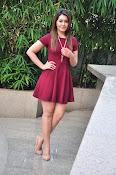 Rashi Khanna latest sizzling pics-thumbnail-18