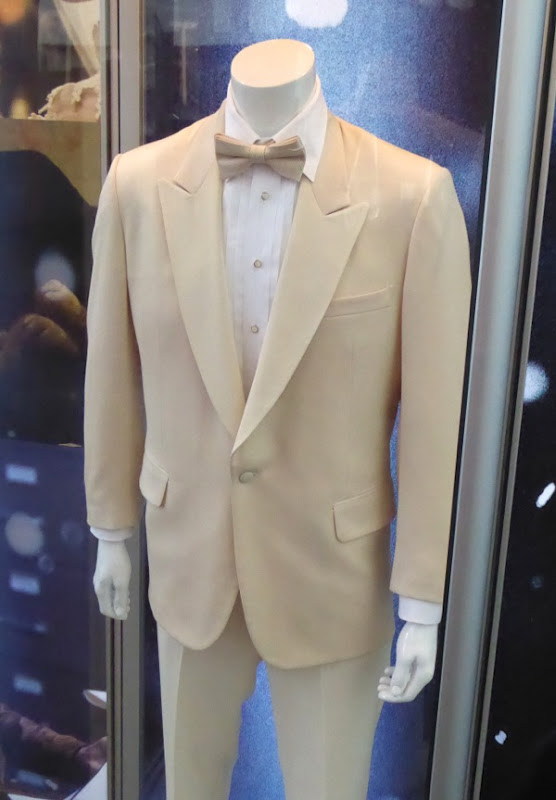 Robert De Niro Joy wedding film costume