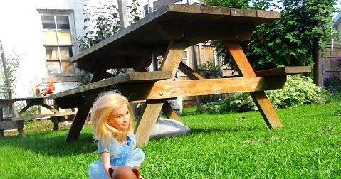 Niftynnifer S Crochet Amp Crafts Wood Barbie S Picnic Table