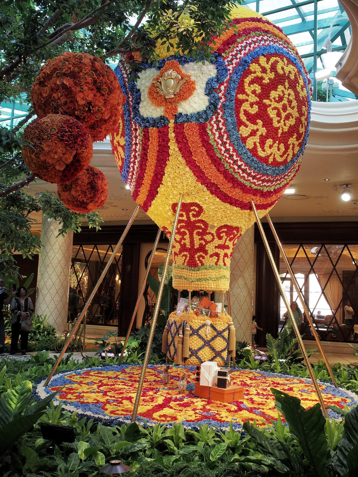 Flower Balloon at the Wynn, #hotairballoon #flowerballoon #wynn #lasvegas #flower #flowerpower #balloon