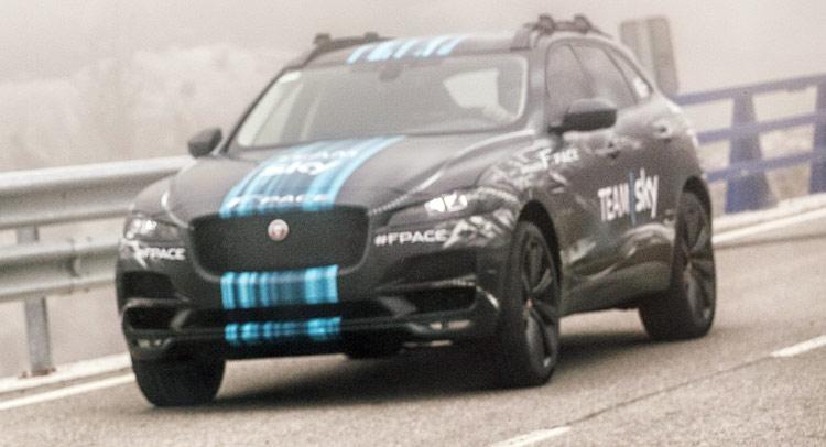 Jaguar-F-Pace ஜாகுவார் F-Pace எஸ்யுவி தயார் - வீடியோ