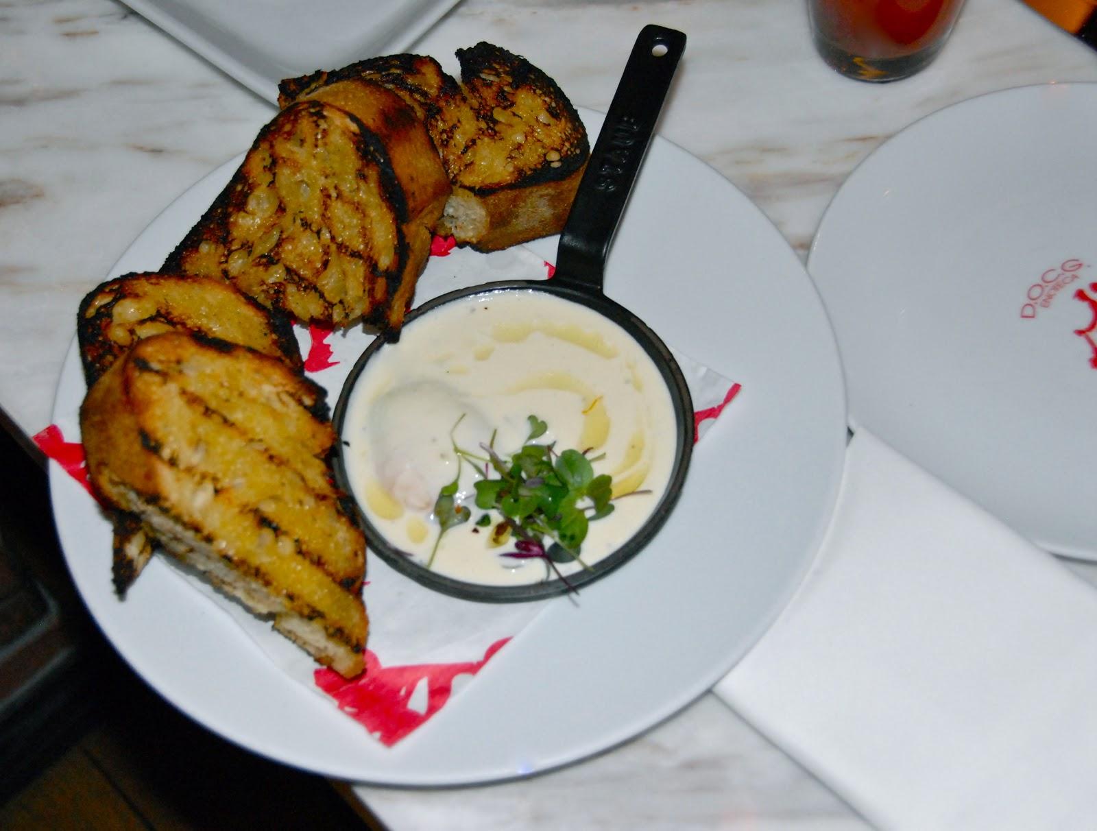 The Weekend Gourmet: A Food Lover\'s Weekend In Las Vegas Part I...