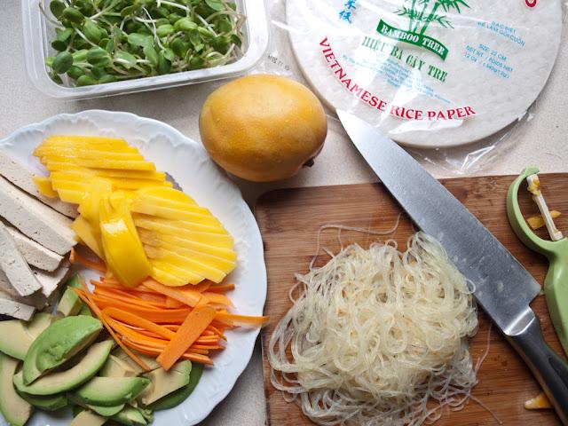 spring rollsy z awokado