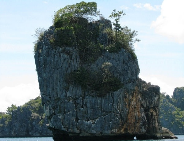 Explorer Rock at Caramoan Peninsula, Caramoan Peninsula, CARAMOAN ISLAND, caramoan bicol, caramoan camarines sur