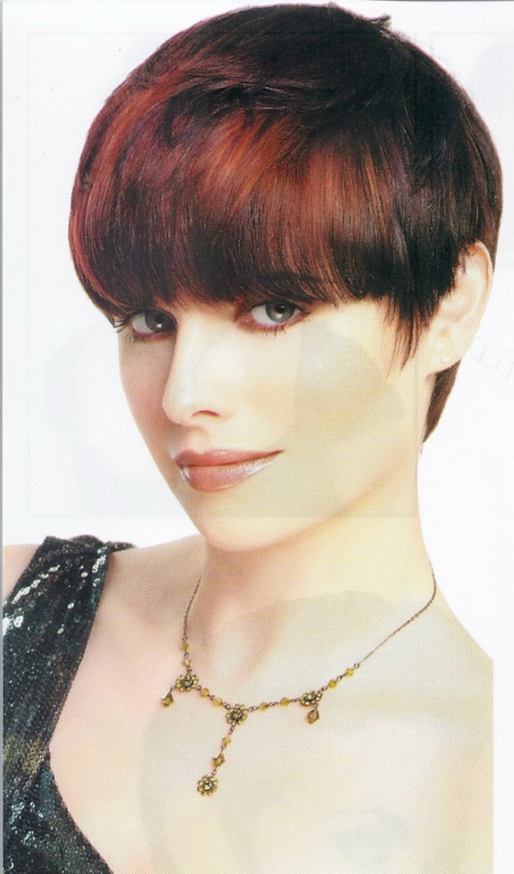 Stylish Wedge Cut Hairstyles for Women - Short haircuts