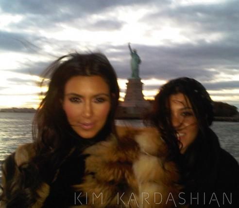 kim kardashian kourtney kardashian super hot sexy pics photos