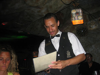 Waiters of all ages are often addressed as jóven in Mexico