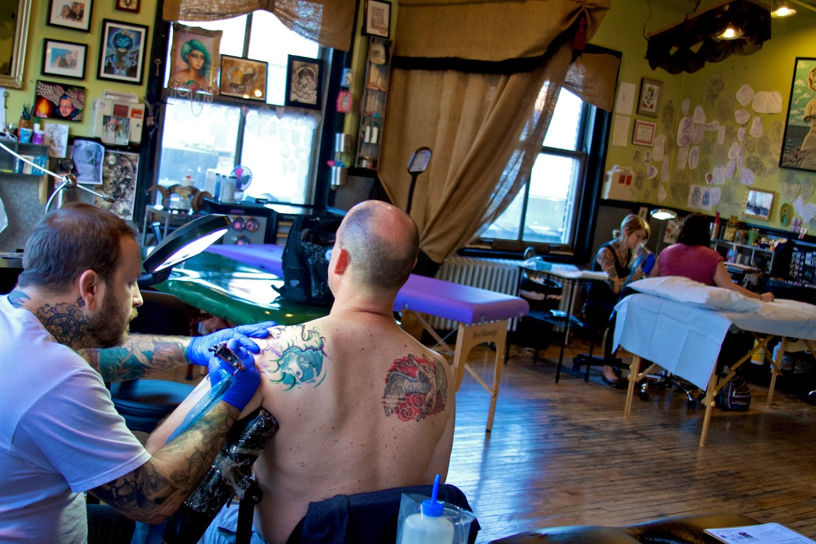 Speakeasy Custom Tattoo, Chicago. Photos by Tammy Sue Allen Photography.