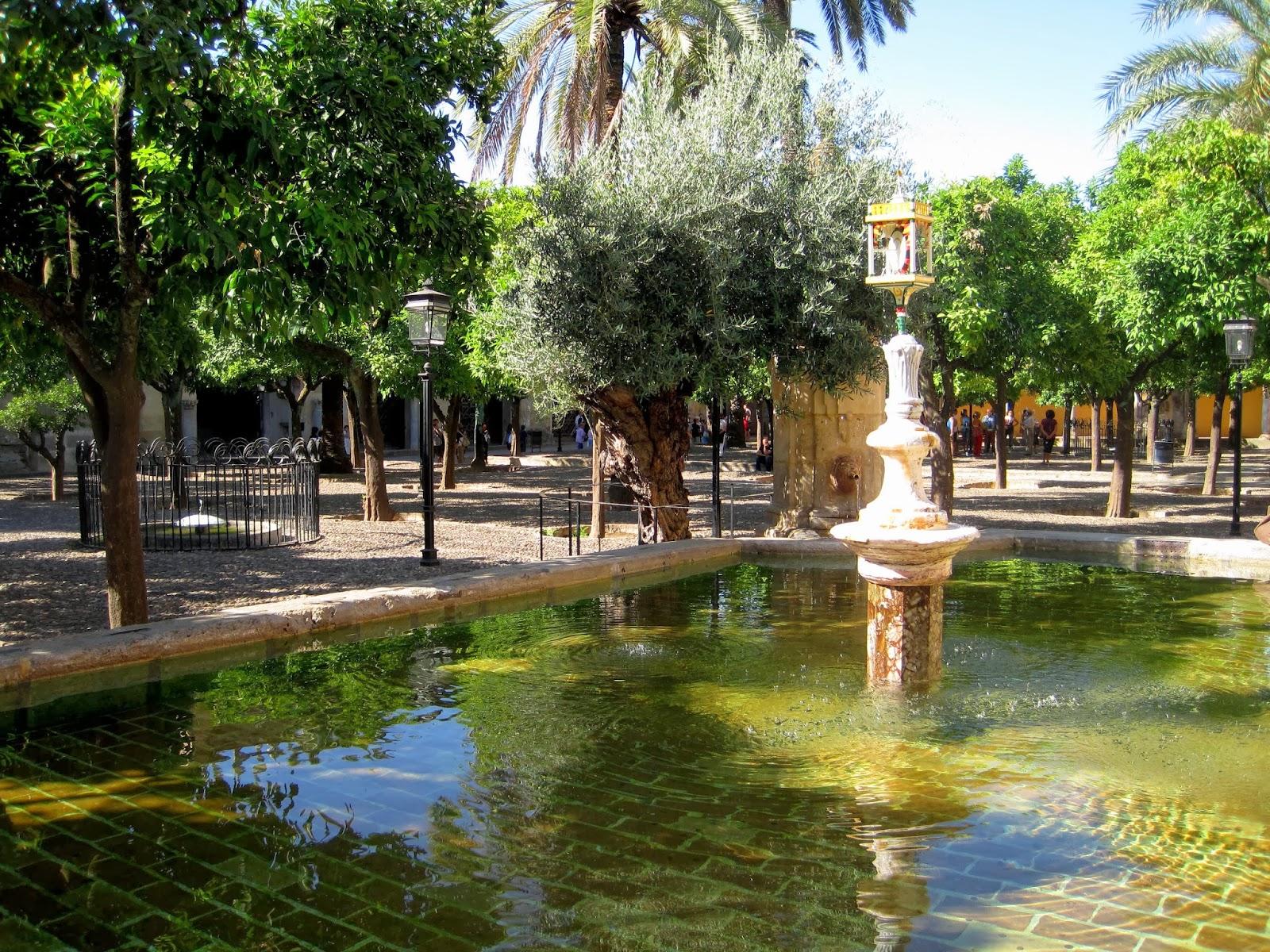 Conociendo el mundo mezquita catedral de cordoba - Fuente para patio ...