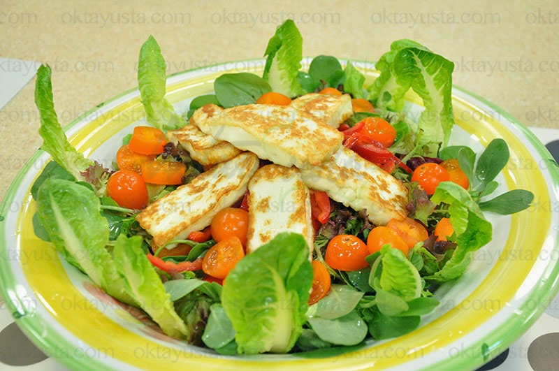 Yeşillikli Hellim Salatası Tarifi