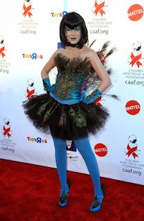 Tori spelling peacock halloween costume