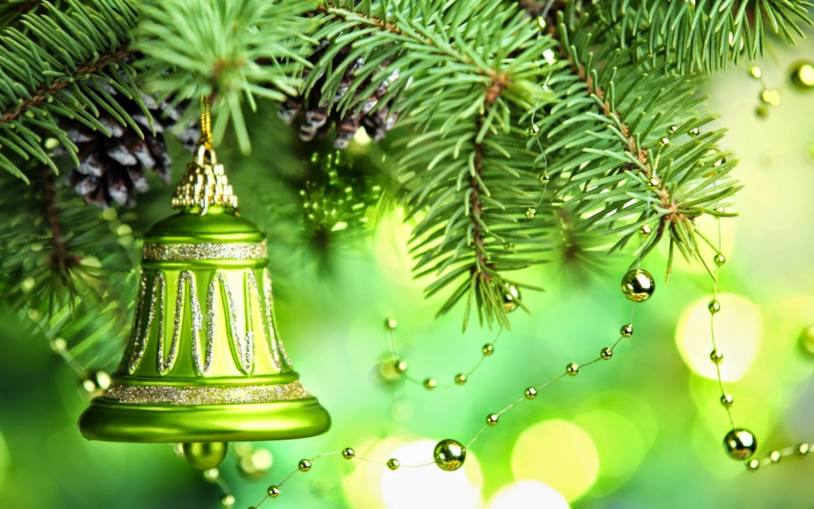 Green-theme-Christmas-bell-decorated-in-xmas-tree-photo-design-idea-images-for-home-.jpg