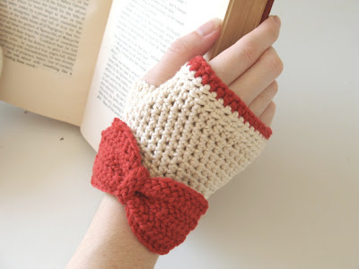 free crochet pattern fingerless gloves with bow