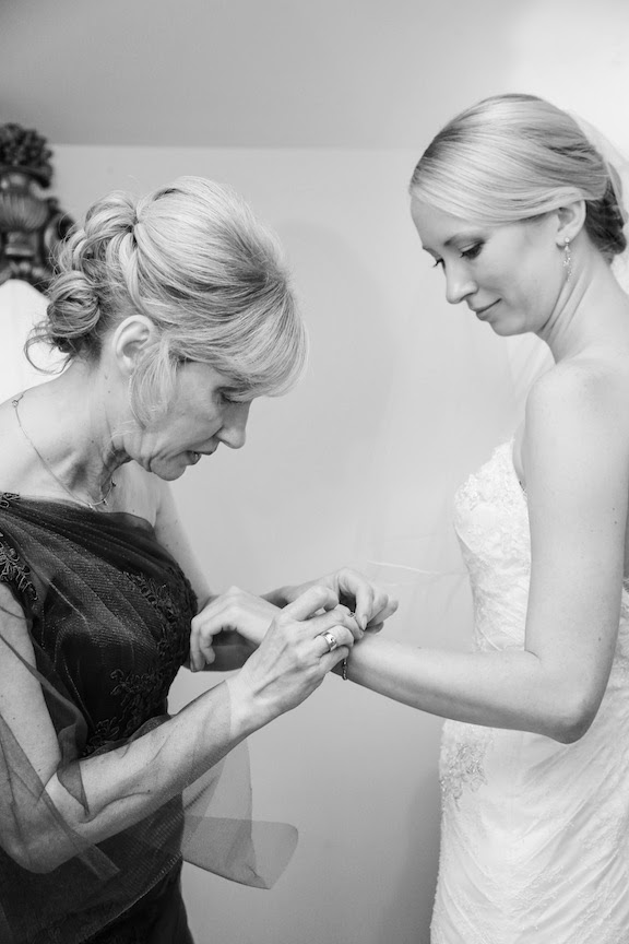 Bluemont VIneyard Bride and Mother Getting Ready Photo