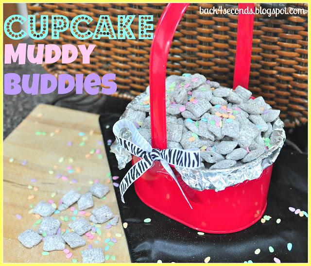Cupcake Muddy Buddies #cupcake #muddybuddies #puppychow #sprinkles