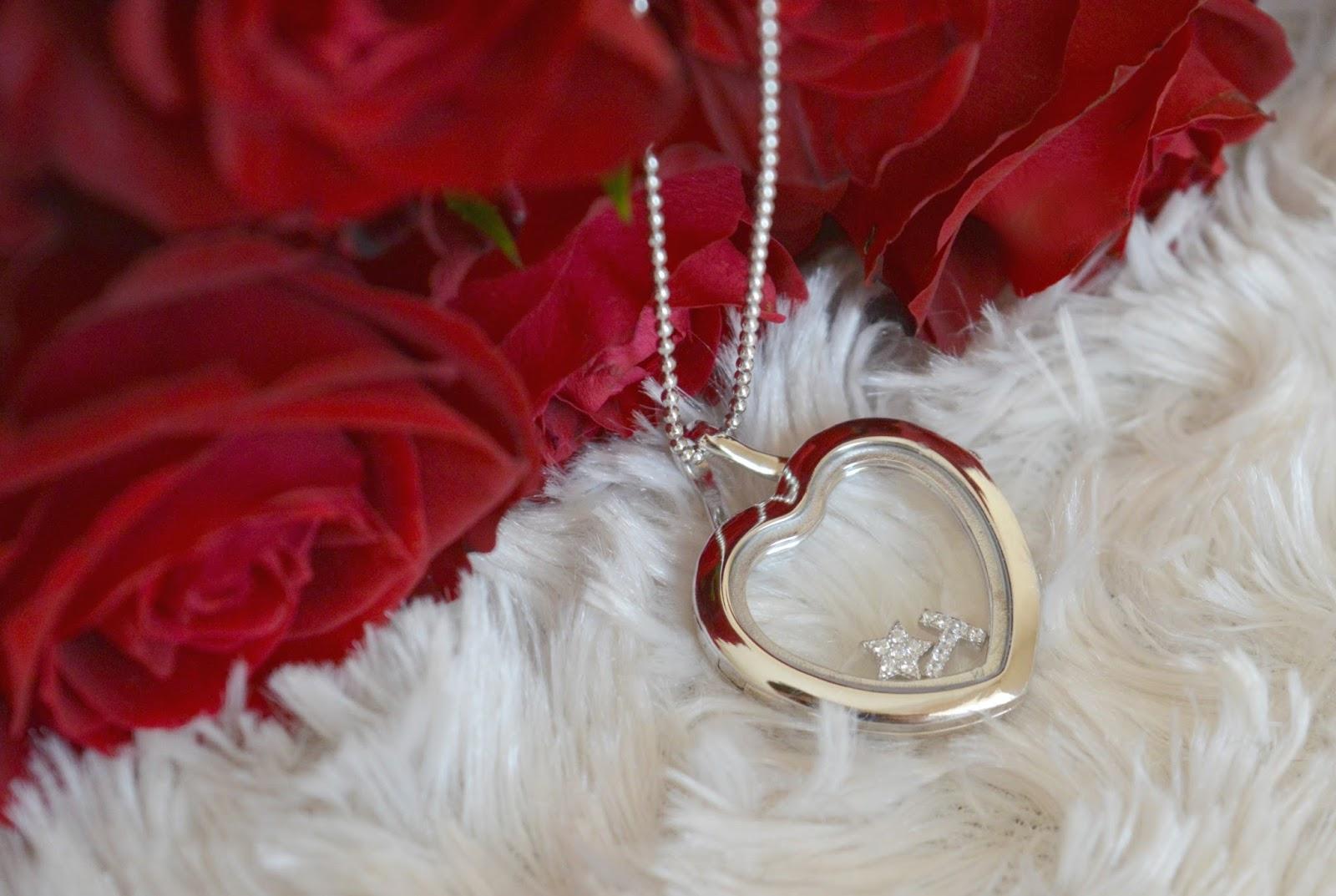 Wallpaper Love Locket : David Deyong crystal Locket & charms Review Dolly Dowsie