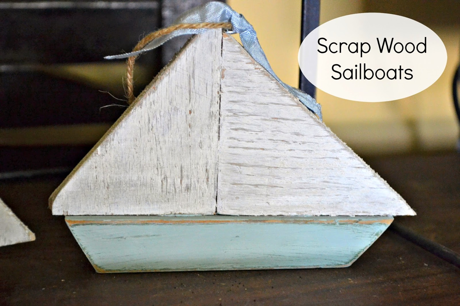 scrap-wood-sailboat-christmas-ornaments www.homeroad.net