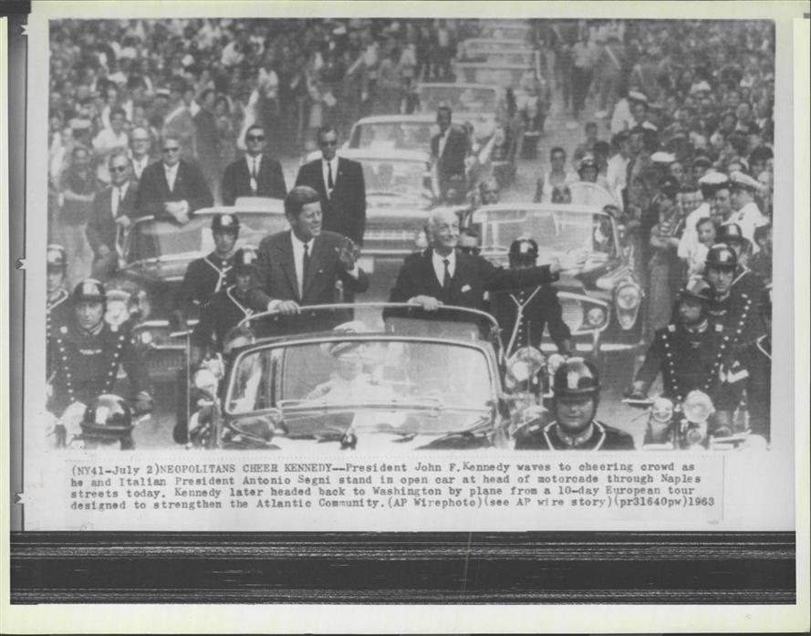 AGENTS DAVID GRANT & GERALD BLAINE ON REAR OF JFK'S LIMO 7/1/63