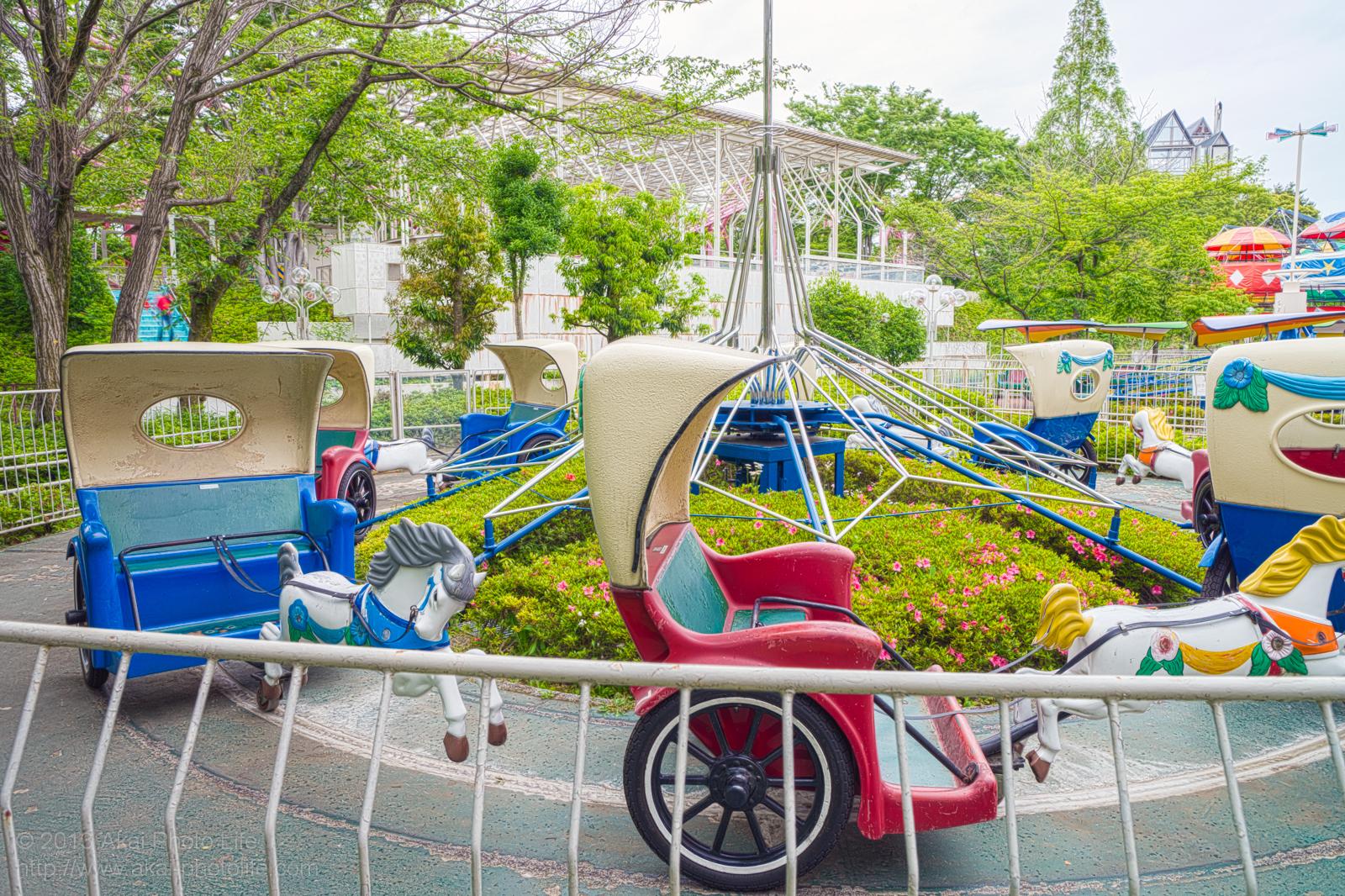 西武園ゆうえんちの回転馬車の写真 HDR