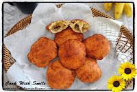 mangalore buns recipe,banana poori,banana puri,kele ki poori