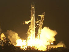 SpaceX Launches Falcon 9/Dragon on Historic Mission