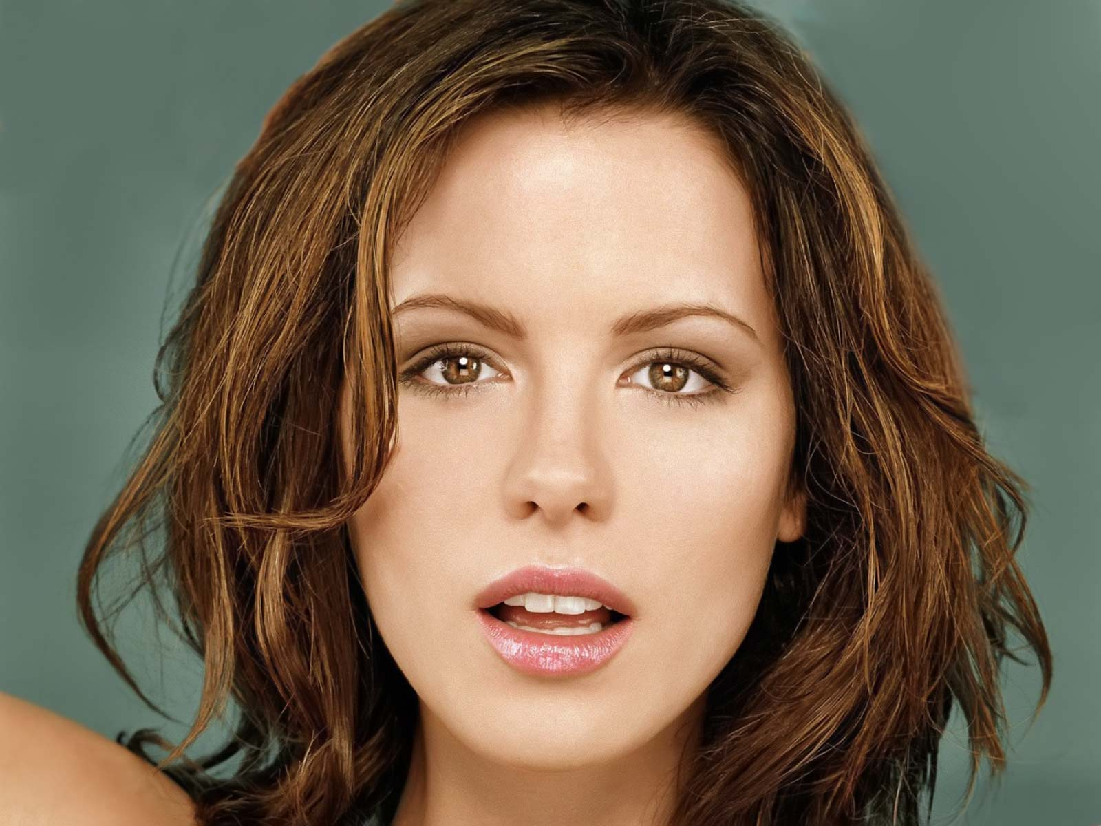 photo Celebrity Hairstyles: Kate Beckinsale Hairstyles