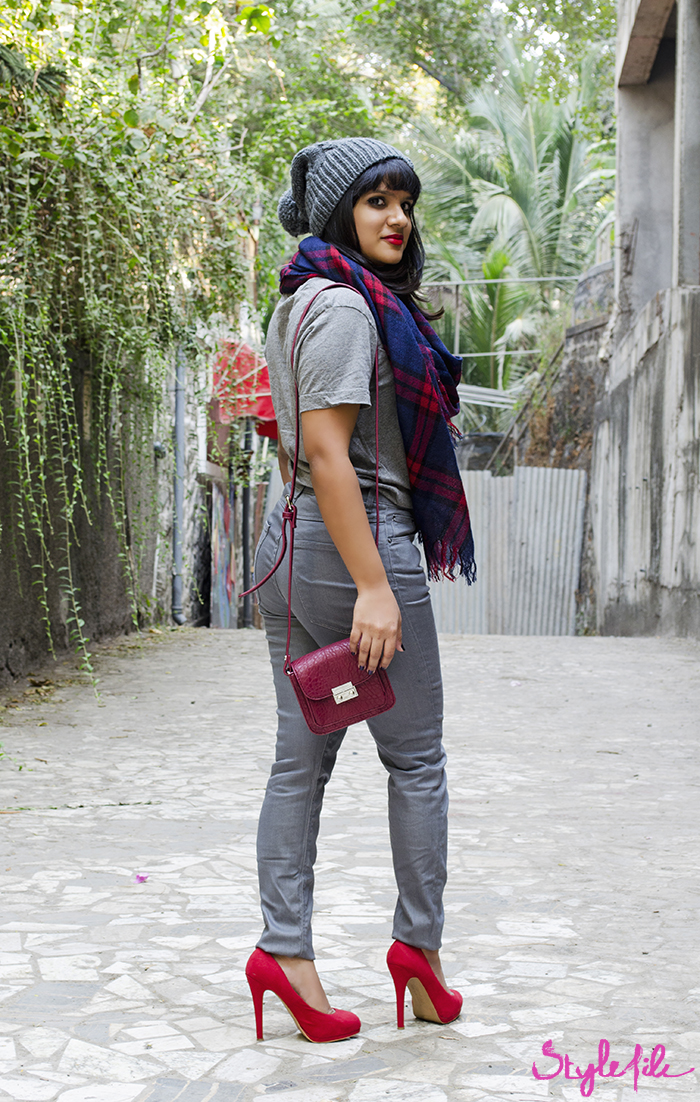 The Style File lookbook for winter includes a Forever 21 wollen grey beanie, Forever 21 plaid scarf, Zara high waist jeans, Zara red pumps and Forever 21 micro messenger sling bag for the seasons winter wear