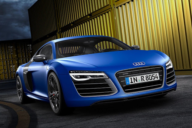 New photo of Audi R8 sportcar