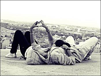 Ningún amor muere, sólo cambia de lugar en la memoria.